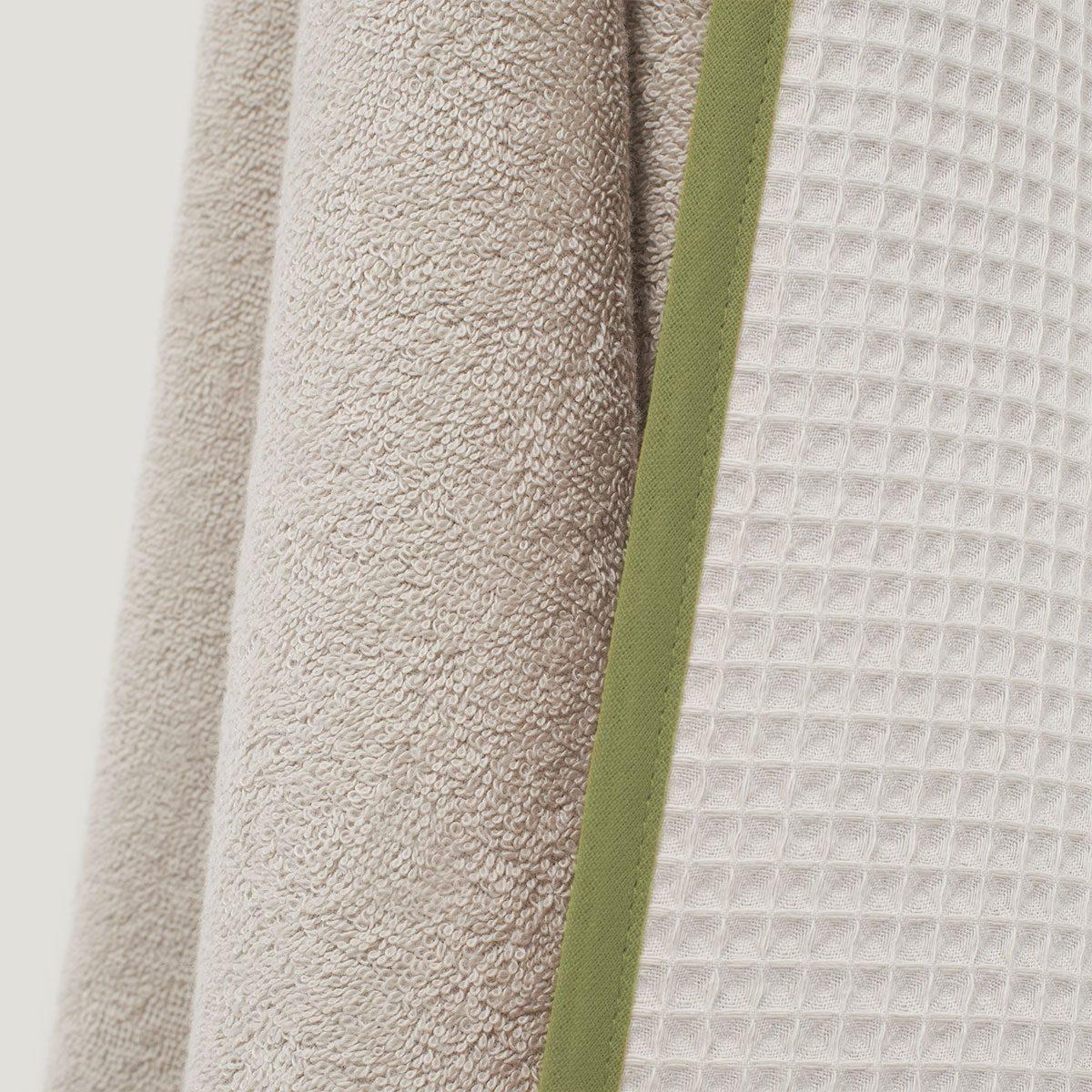 DRIP hooded towel detail olive