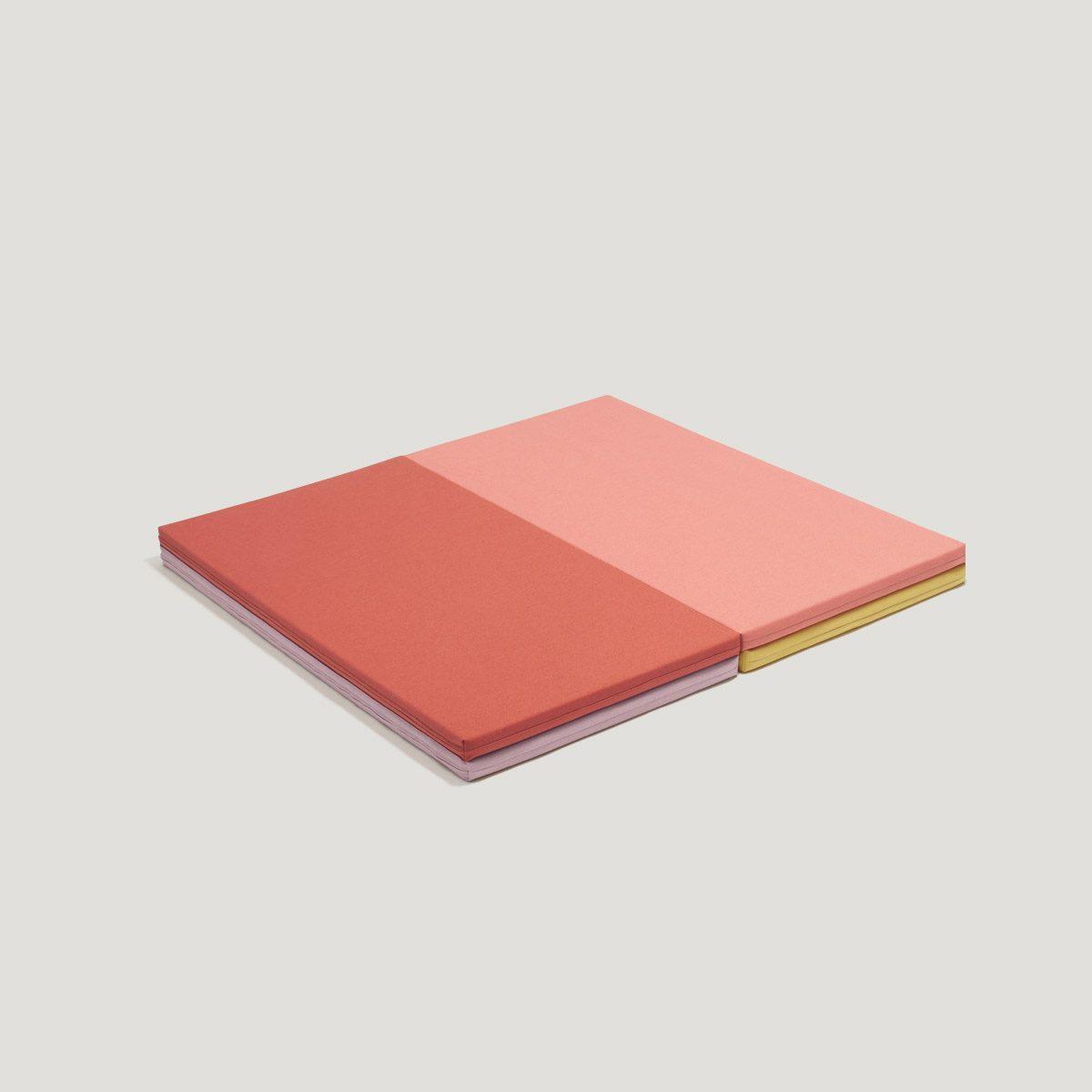 LEVEL folding play mat