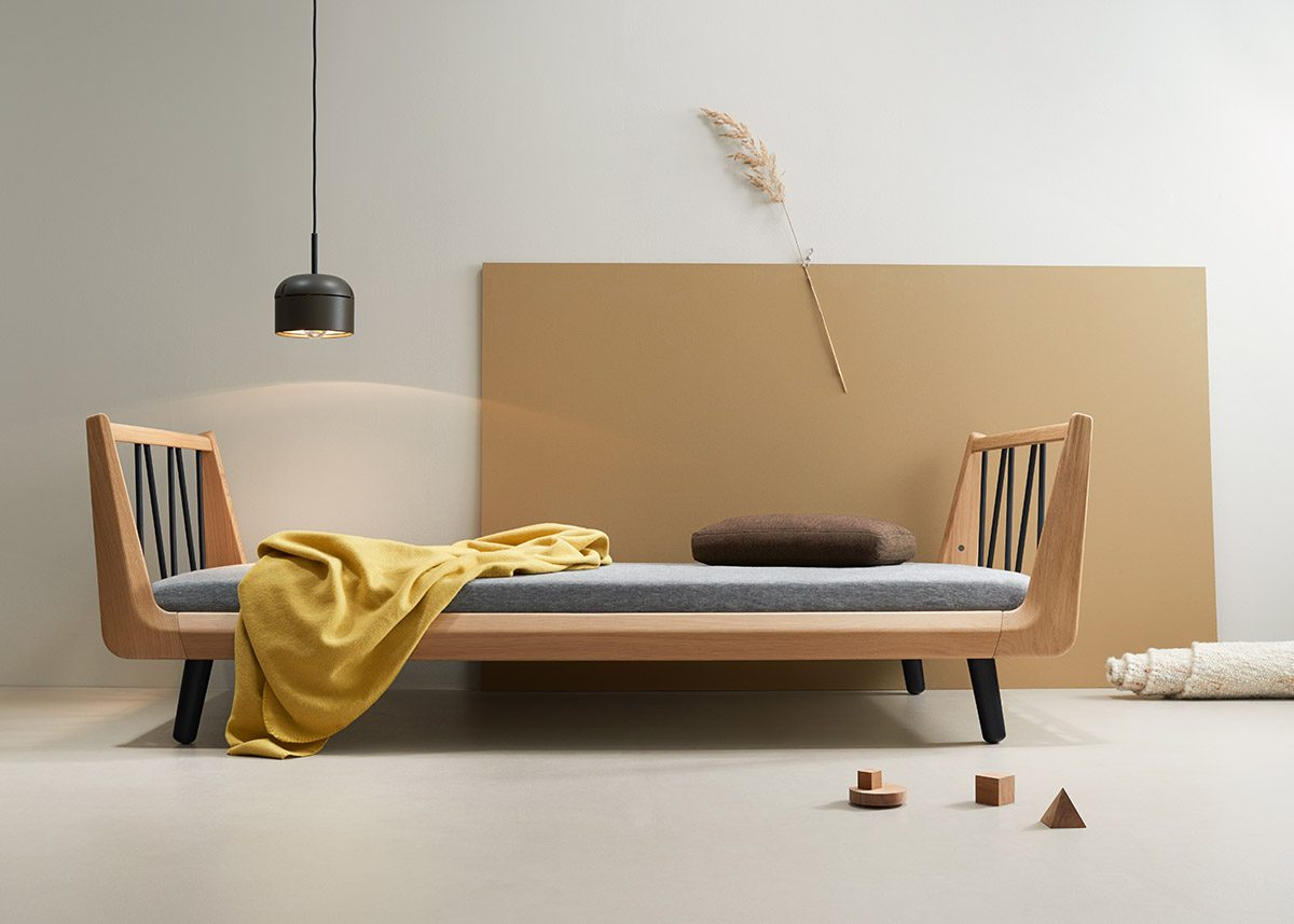 VII classic single bed