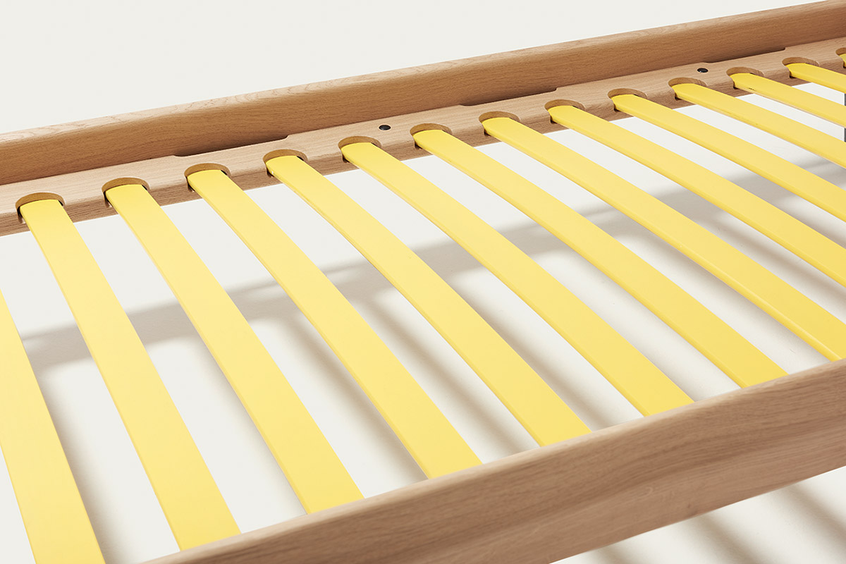 Provides best sleeping comfort: The slatted frame of VII classic and VII frame.