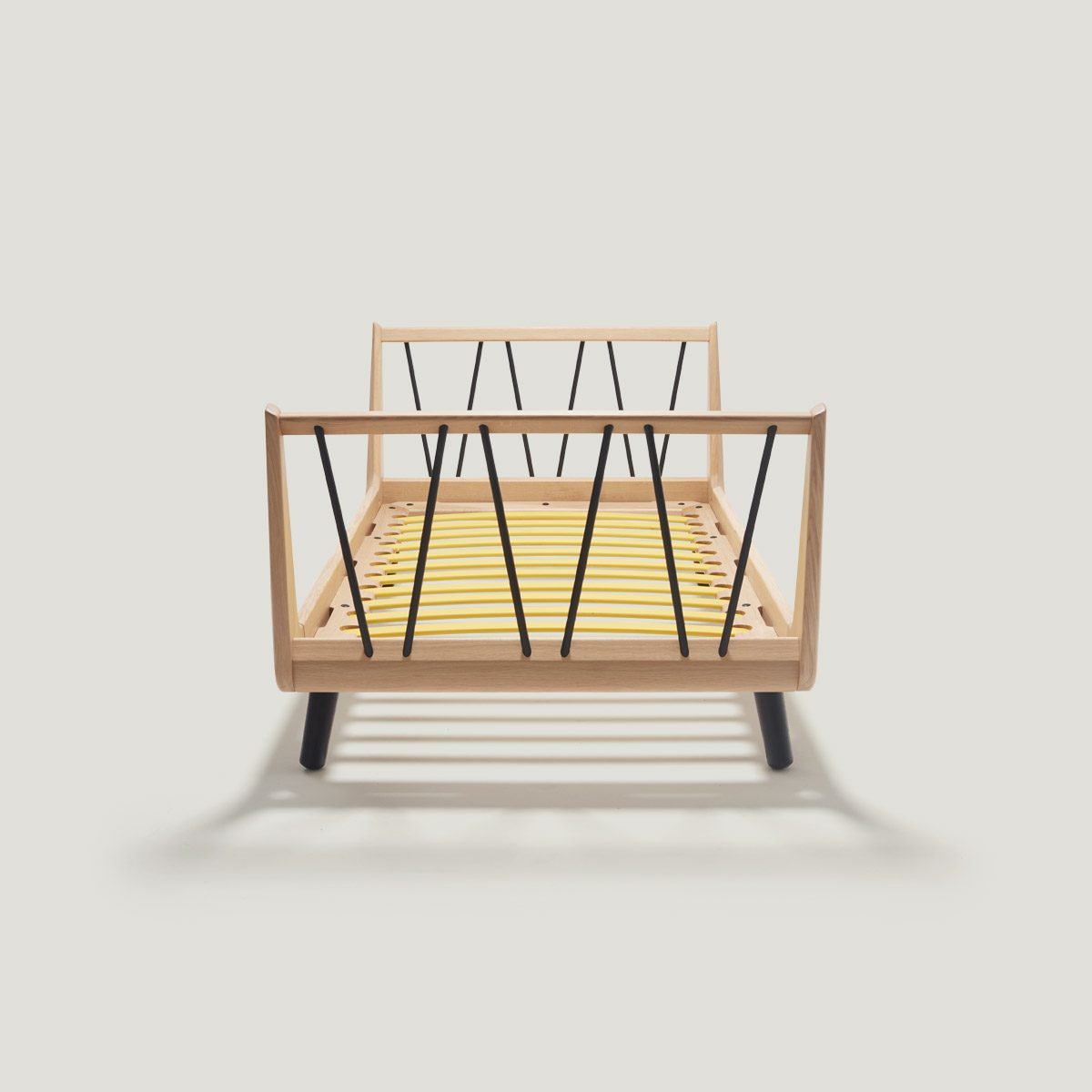 VII classic junior bed – made of solid oak.